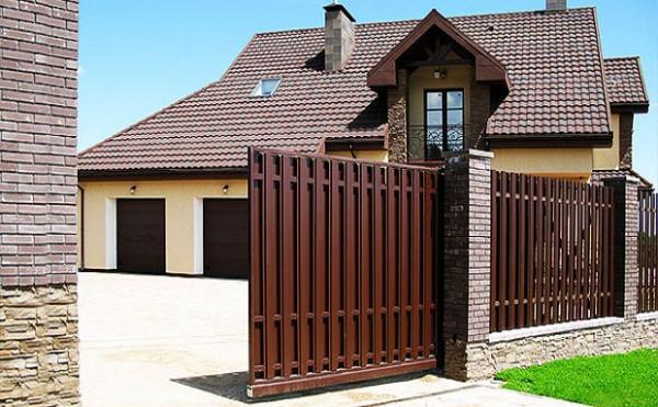 Можно ли провести самостоятельный монтаж откатных ворот?